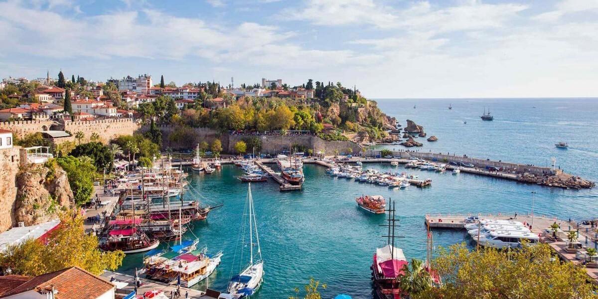 أنطاليا التركية تستقبل قرابة 5 ملايين سائح خلال 5 أشهر