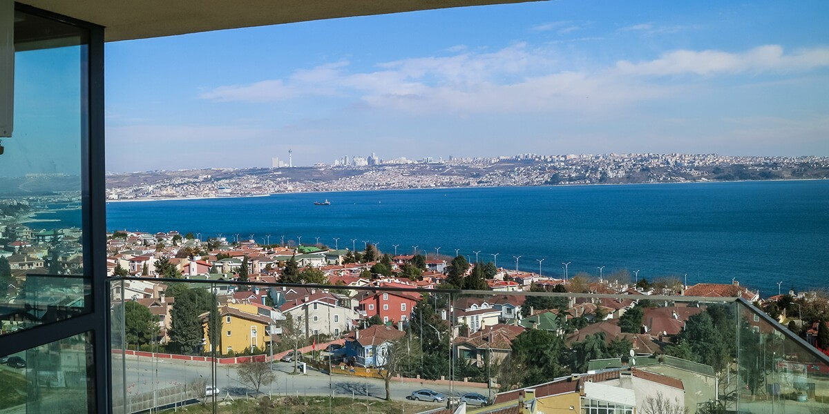A rare project that combines green and blue together in Istanbul