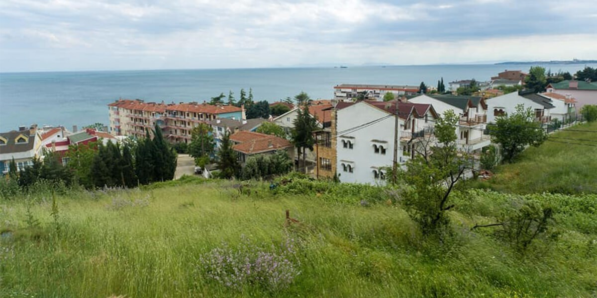 Residential land in Istanbul Silvery L-1-131