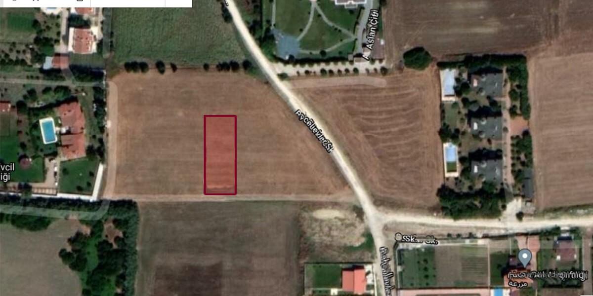 أرض إعمار فلل للبيع مع اطلالة طبيعية L-1-9